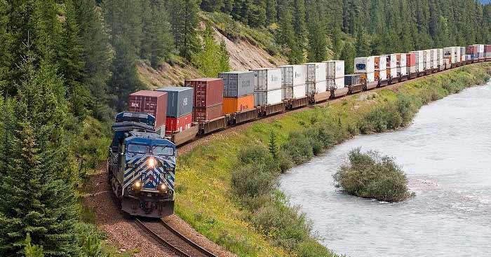 Tính chi phí vận chuyển hàng hóa bằng đường sắt