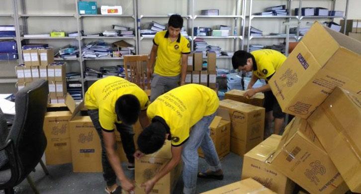 Đội ngũ nhân viên công ty chuyển nhà trọn gói Kiến Vàng chuyên nghiệp, tận tâm với công việc