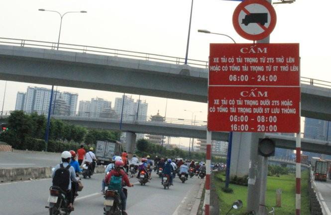 giờ cấm xe tải vào thành phố
